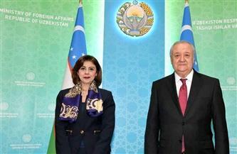 السفيرة أميرة فهمي تقدم أوراق اعتمادها لوزير خارجية أوزبكستان
