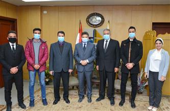 رئيس جامعة دمياط يشهد تنصيب رئيس ونائب رئيس اتحاد طلاب الجامعة | صور