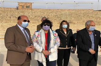 وزيرة الثقافة ومحافظ أسوان يتفقدان المشروعات الثقافية والإنشائية بالمدينة