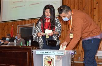 محمد حمادة رئيسًا لاتحاد طلاب جامعة سوهاج ومهاب محمد نائبًا | صور