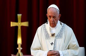 البابا فرنسيس يحيي قداسًا مع سجناء ولاجئين بمناسبة عيد الرحمة الإلهية