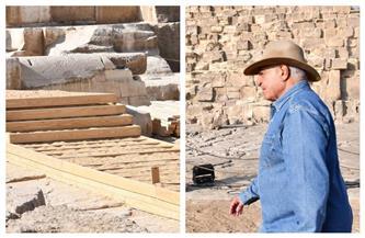 تركيب أول ممشى خشبي لحماية الأحجار البازلتية لمعبد الملك خوفو | صور