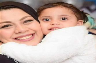كواليس الساعات الأخيرة من حياة الطفلة ليلى.. الأم تودعها بصرخات تهز ساحات معهد الكبد بالمنوفية