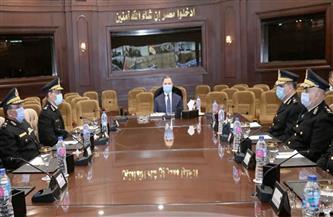 وزير الداخلية يعقد اجتماعا مع مساعديه لمراجعة خطط تأمين رأس السنة ومونديال اليد