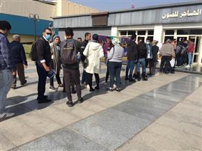 تكدس وإجراءات احترازية في أول أيام القاهرة السينمائي   صور