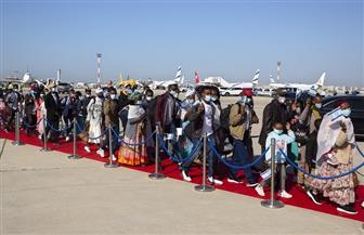 """نتانياهو يستقبل 300 مهاجر من يهود الفلاشا الإثيوبيين على """"السجادة الحمراء"""""""