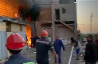 حريق ضخم يلتهم مصنع بلاستيك بمدينة طلخا | صور