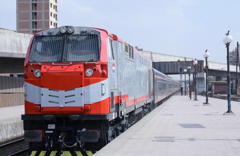 السكك الحديدية إيقاف سائق قطار نجع حمادي وإجراء تحليل المخدرات له وتحويله للتحقيق الفوري
