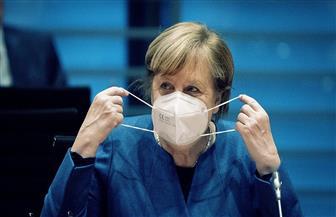 ميركل تستعد لتمديد الإغلاق في ألمانيا تحسبا لسلالات جديدة من كورونا