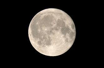 """معهد الفلك: 10 ظواهر فلكية في يناير تبدأ غدا باقتران القمر مع"""" الحشد النجمي"""""""