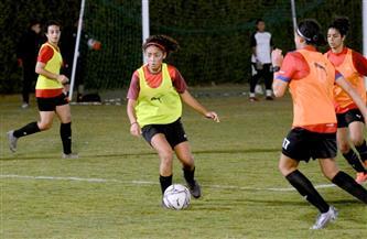 """""""الشباب والرياضة"""" تتابع مع اتحاد الكرة ملف الكرة النسائية"""