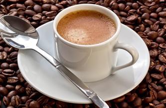 دراسة: شرب القهوة والشاي يوميا يقلل من خطر الوفاة المبكرة