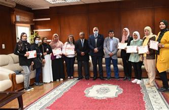 رئيس جامعة الأقصر يكرم الأوائل بدبلوم الدراسات العليا التربوية   صور