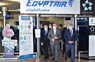 وزير الطيران المدنى يتفقد مطار القاهرة الدولى لمتابعة استعدادات استضافة بطولة كأس العالم لكرة اليد| صور
