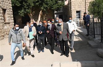 نائب محافظ قنا يتفقد مستشفى الحميات المخصص لاستقبال وعزل المصابين بفيروس كورونا | صور