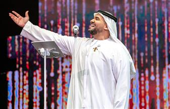 حسين الجسمي يحتفل باليوم الوطني الـ49 للإمارات في مسرح المجاز بالشارقة  صور