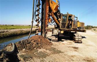 نائب محافظ أسوان يتفقد المرحلة الأولى لرفع كفاءة الطريق الدائري (كلابشة - نصر النوبة)  صور