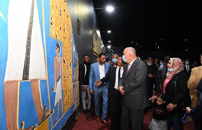محافظ قنا يفتتح جدارية المعنا الفرعونية   صور