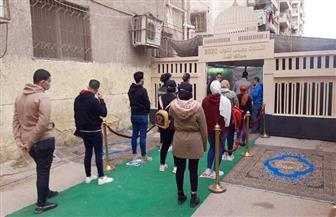 الشباب يتصدرون المشهد أمام اللجان الانتخابية بمدينة نصر| فيديو
