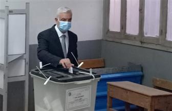 رئيس-جامعة-المنوفية-يدلي-بصوته-في-جولة-الإعادة-بانتخابات-مجلس-النواب -صور-