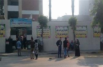 """تنظيم المرور أمام مدرسة سراي القبة في اليوم الثاني لانتخابات """"النواب"""""""
