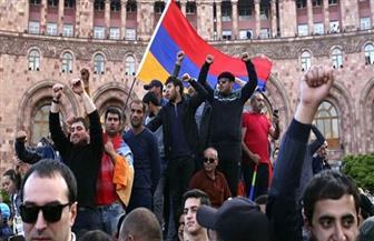محتجون يغلقون شوارع العاصمة الأرمينية للمطالبة باستقالة رئيس الوزراء