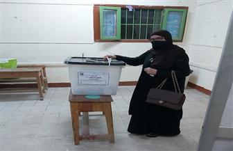 السيدات والفتيات في مقدمة الناخبين بالإسماعيلية   صور