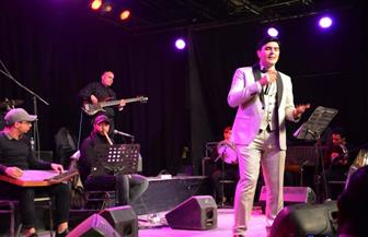 أحمد شوقي يقدم مجموعة متنوعة من الأغاني التراثية والشبابية