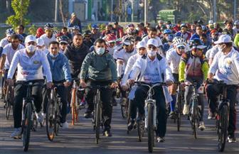 """محافظ الإسكندرية يشارك في ماراثون دراجات بشوارع المدينة بهدف """"مكافحة الفساد""""  صور"""