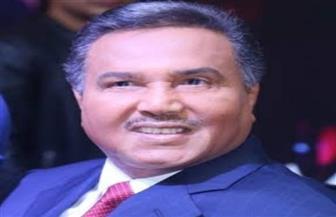 """قصيدة """"أكتب لها حرف"""".. جديد محمد عبده والموسيقار طلال"""