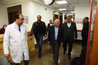 محافظ بورسعيد يتفقد مستشفى النصر التخصصى