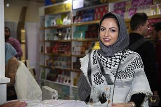 """الفلسطينية نور المولا: الحروب أساسها العنصرية وهي ما أكتب عنه """"في مثل هذا العمر"""""""