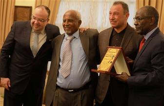 رابطة قدامى اللاعبين السودانيين تكرم محمود الخطيب
