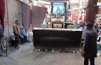 تحرير 47 محضر إشغال وغلق 5 محال تجارية بدون ترخيص بحي غرب أسيوط | صور