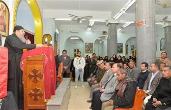 محافظ أسيوط يشارك في تشييع جثمان الشهيد أشرف رفعت ويحضر مراسم العزاء | صور