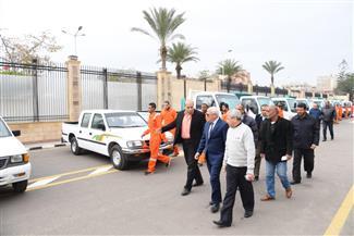 محافظ بورسعيد يتفقد أسطول سيارات ومعدات المحافظة بعد رفع كفاءتها | صور