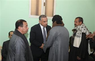 محافظ سوهاج يؤدي واجب العزاء لأسرة الشهيد محمد ممدوح بدار السلام | صور