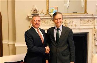سفير مصر في لندن يلتقي وزير الدولة البريطاني للشرق الأوسط