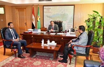 محافظ الفيوم و«بنك مصر» يبحثان دعم المشروعات الصغيرة والتمويل العقاري | صور