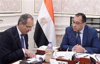 """رئيس الوزراء يتابع مع وزير الاتصالات موقف """"رقمنة"""" منظومة التأمين الصحي"""
