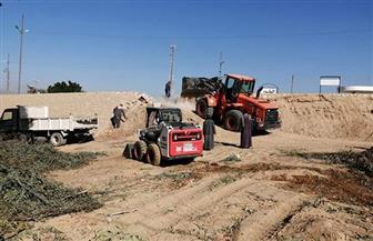استمرار العمل بطريق مدخل نجع مكي الغربي بمدينة الطود في الأقصر | صور