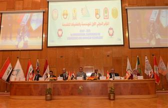 جامعة أسيوط تدعو لخلق شبكة تواصل بين الباحثين العرب والأجانب | صور