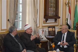 رئيس جامعة القاهرة يستقبل مفتي الجمهورية لمناقشة قضايا تجديد الخطاب الديني والتعاون العلمي |صور