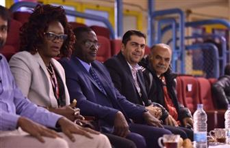 رئيس الاتحاد الإفريقي للريشة الطائرة يحضر نهائي الرجال بالبطولة الإفريقية | صور