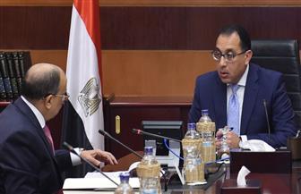 رئيس الوزراء يستعرض مع وزير التنمية المحلية مستهدفات عمل الوزارة وخطتها الاستثمارية