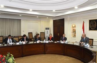 وزير الإسكان يلتقي وفد البنك الأوروبي لإعادة الإعمار والتنمية لبحث أوجه التعاون بين الجانبين | صور