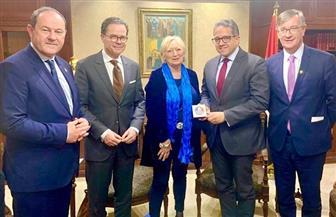 العناني يلتقي وفد مجموعة الصداقة الفرنسية المصرية بمجلس الشيوخ الفرنسي | صور