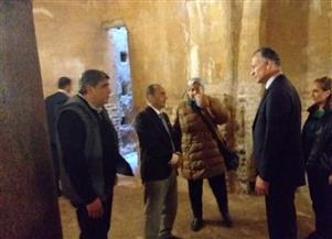 السفير الأمريكي يجري جولة سياحية بقلعة قايتباي بالإسكندرية