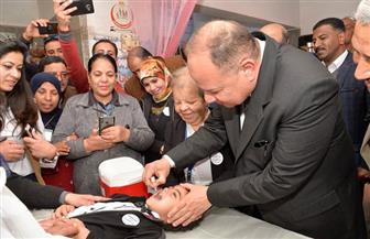 محافظ أسيوط يتفقد بدء حملة التطعيم ضد مرض شلل الأطفال | صور