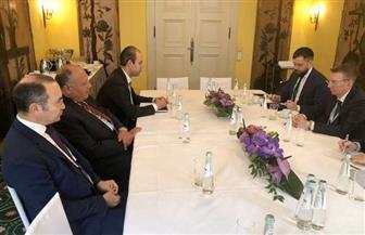 مشاورات ثنائية بين وزير الخارجية ومستشار الأمن القومي البريطاني على هامش مؤتمر ميونخ للأمن